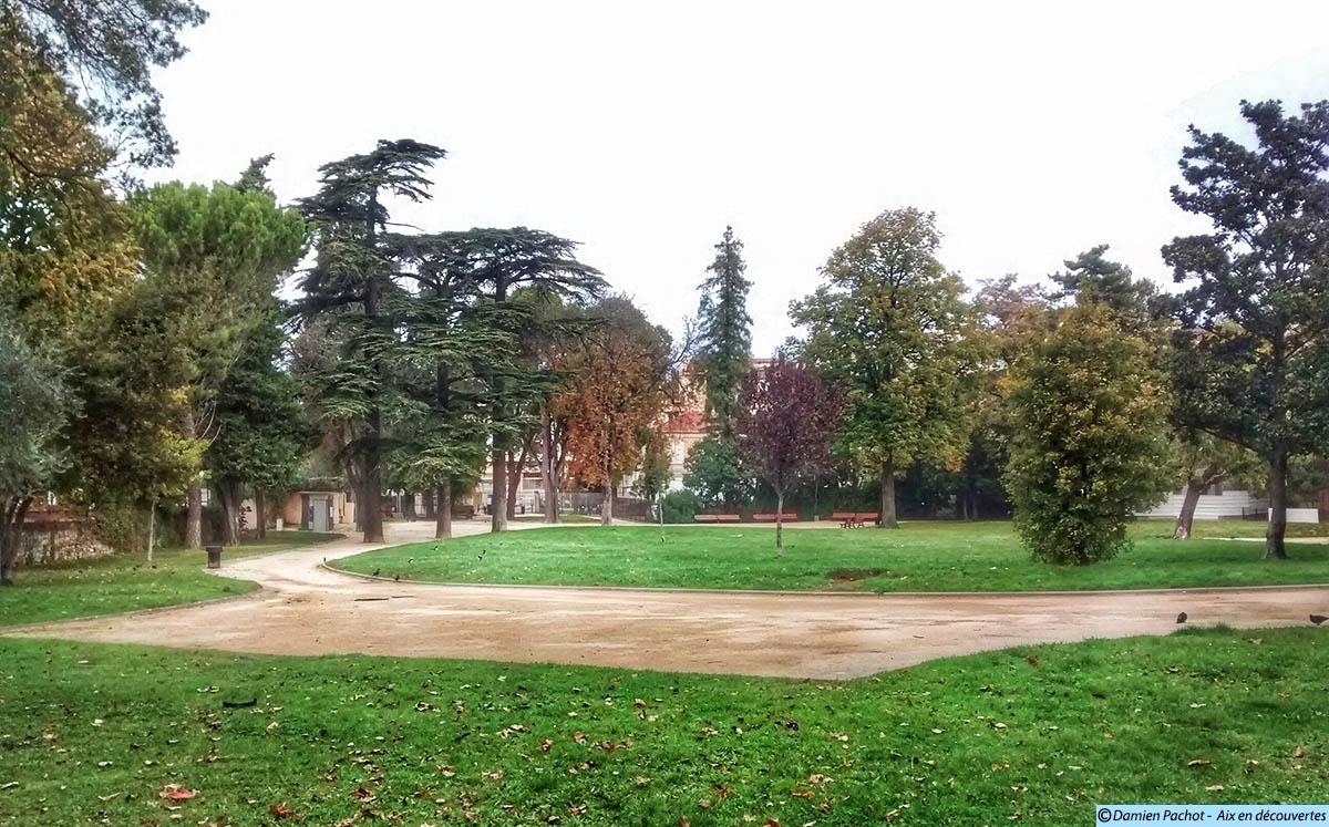 Le parc Rambot vu depuis le cours des Arts et Métiers