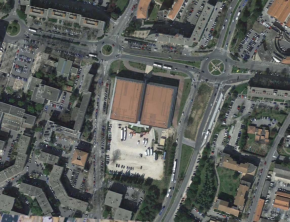 Le Pasino à l'emplacement des anciens abattoirs dans le quartier d'Encagnane en 2015 - Photo : Google Earth