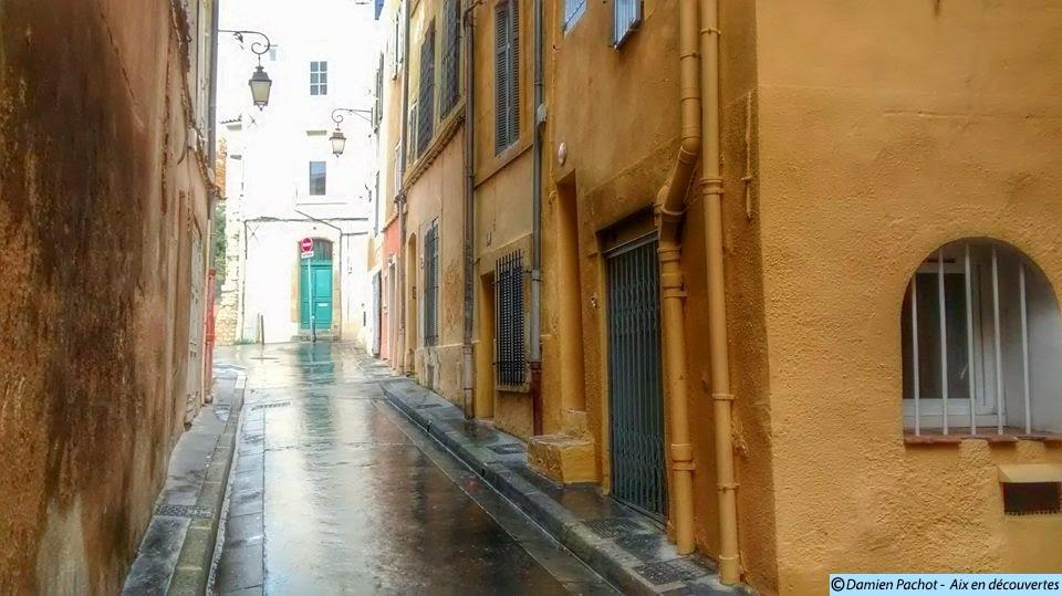 La rue Saint-Henri à Aix en Provence