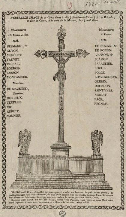 Représentation de la Croix de la Mission originale qui était en bois. On distingue les fleurs de lys à ces extrémités. Photo: Archives Municipales d'Aix