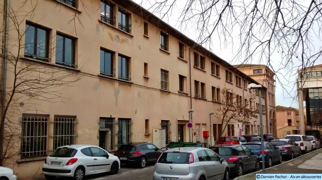 L'ancien bâtiment principal de l'ancienne caserne Forbin
