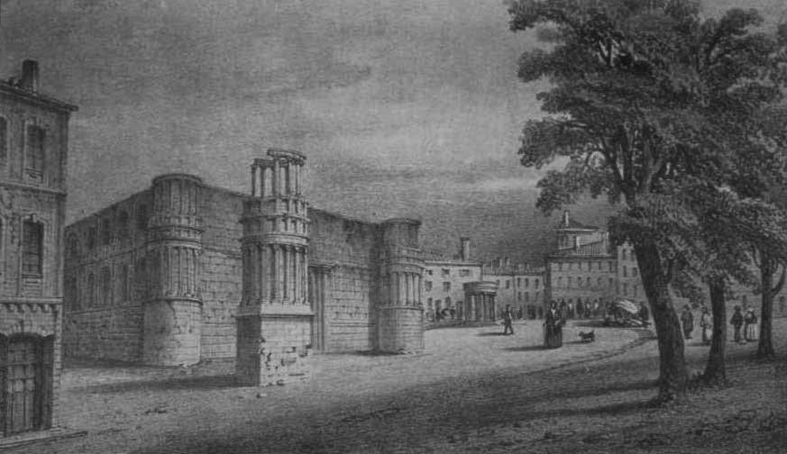 Vue de l'ancien Palais Comtal lors de sa destruction. On distingue au premier plan le mausolée antique, et au second plan à droite la tour du Trésor et à gauche celle du Chaperon