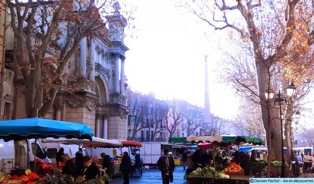 La place des Prêcheurs de nos jours avec son marché les mardi, jeudi et samedi