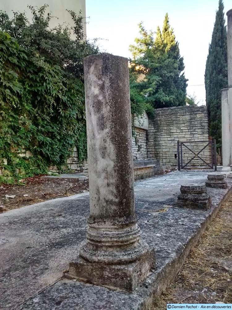 Les vestiges d'une colonne sur le site
