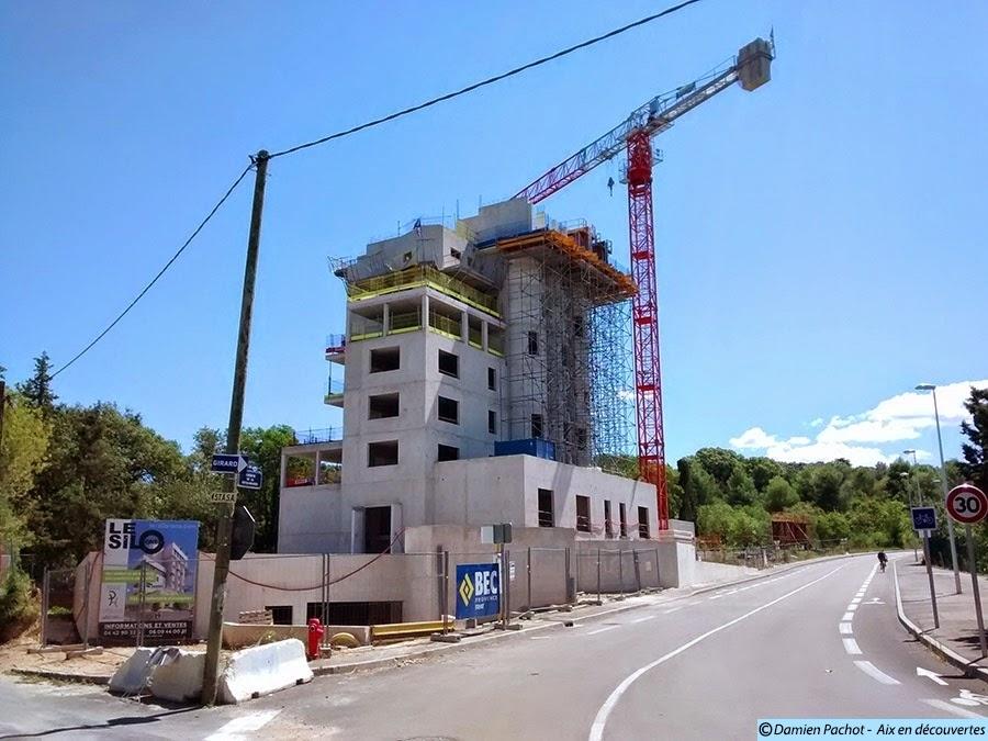 """Le """"nouveau"""" silo en Août 2014 Photo: © Aix en découvertes"""