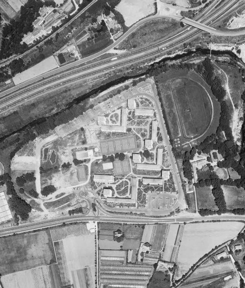 La construction de la résidence de l'hippodrome de la Parade vers 1979 Photo : © IGN-GEOPORTAIL/1979