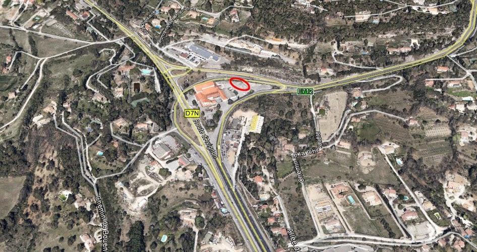 """Le lieu où sont """"entreposés"""" une partie des vestiges de l'ancien Monument Mirabeau - Photo Google Maps"""