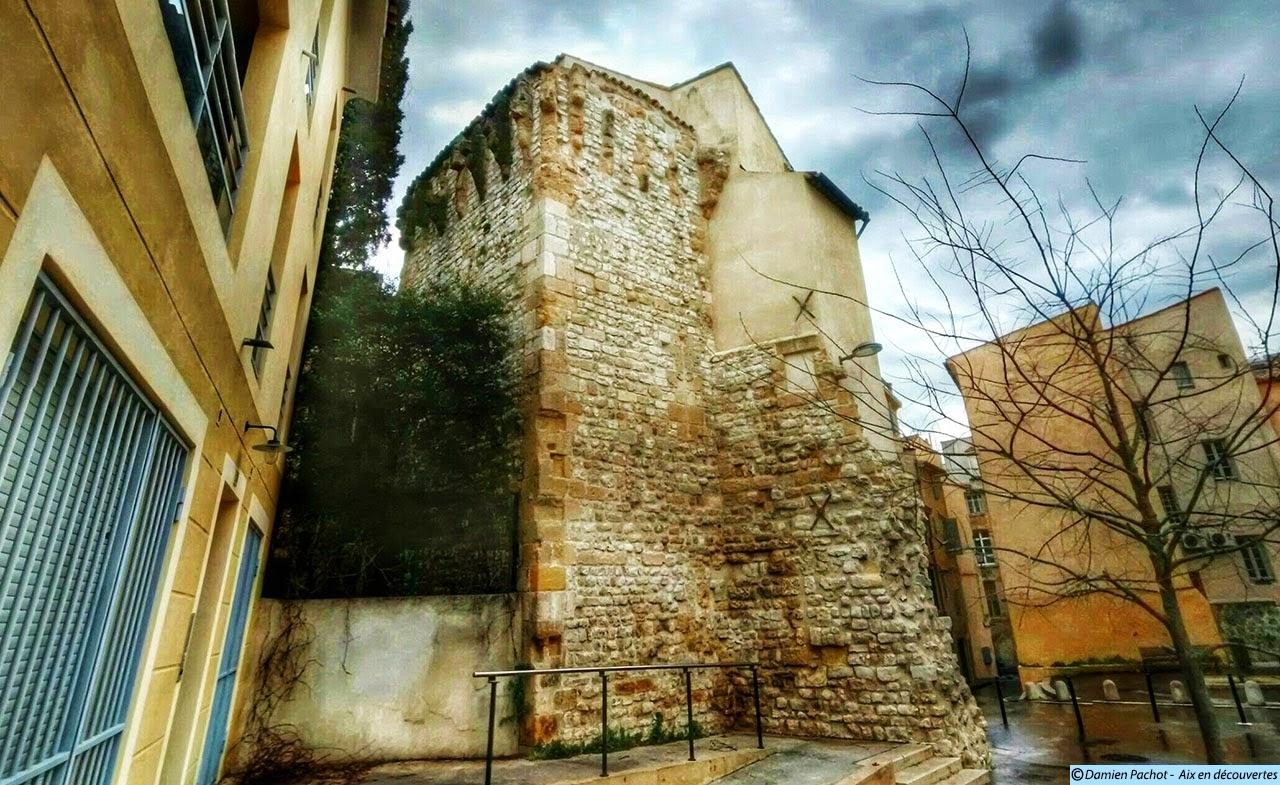 L'arrière de la tour Bellegarde