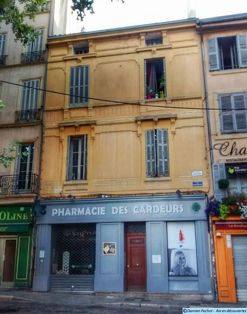 La façade du N°22 sur la place de l'Hôtel de Ville d'Aix