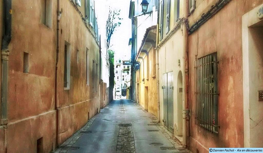 La rue du Cancel qui relie la rue du Bon-Pasteur à la place des Cardeurs Photo: © Aix en découvertes