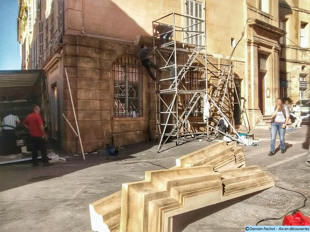 Un décor de façade en construction dans la rue Aude - Photo: © Aix en découvertes