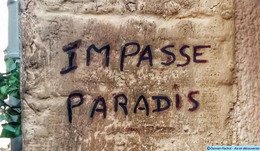 L'inscription indiquant l'entrée de l'impasse Paradis