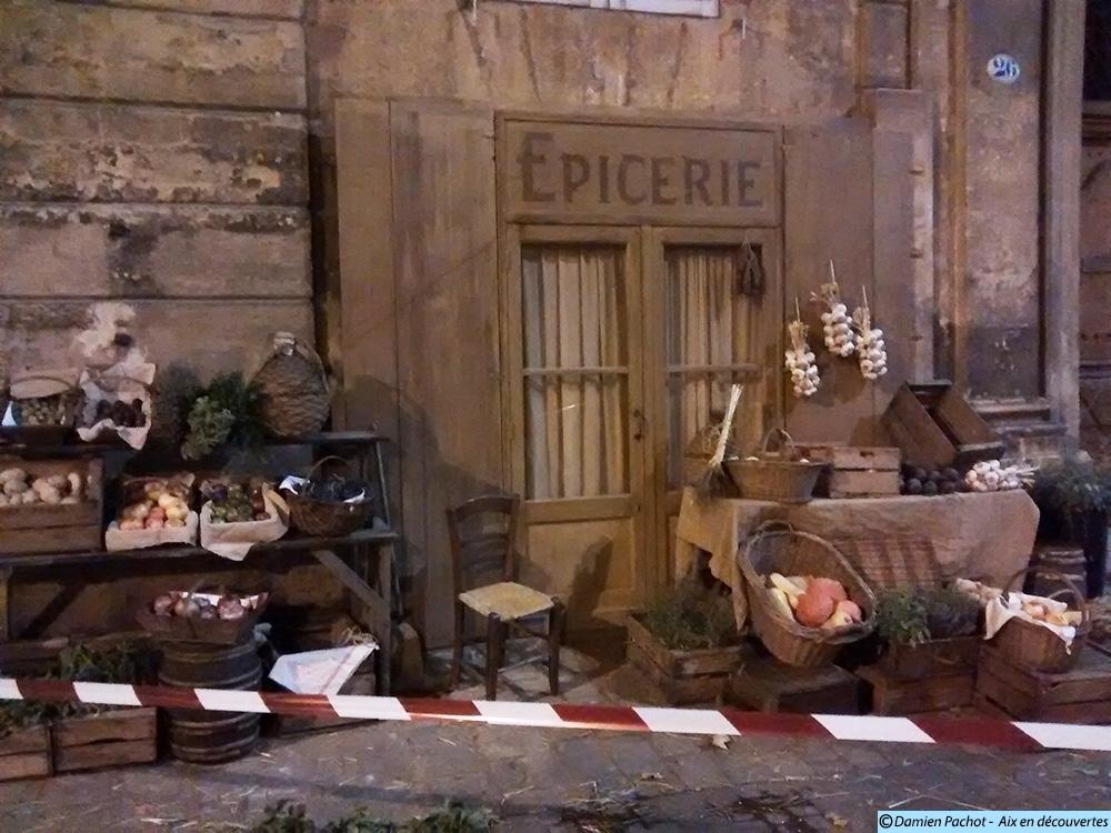 Le décor de l'épicerie et ses accessoires - Photo: © Aix en découvertes