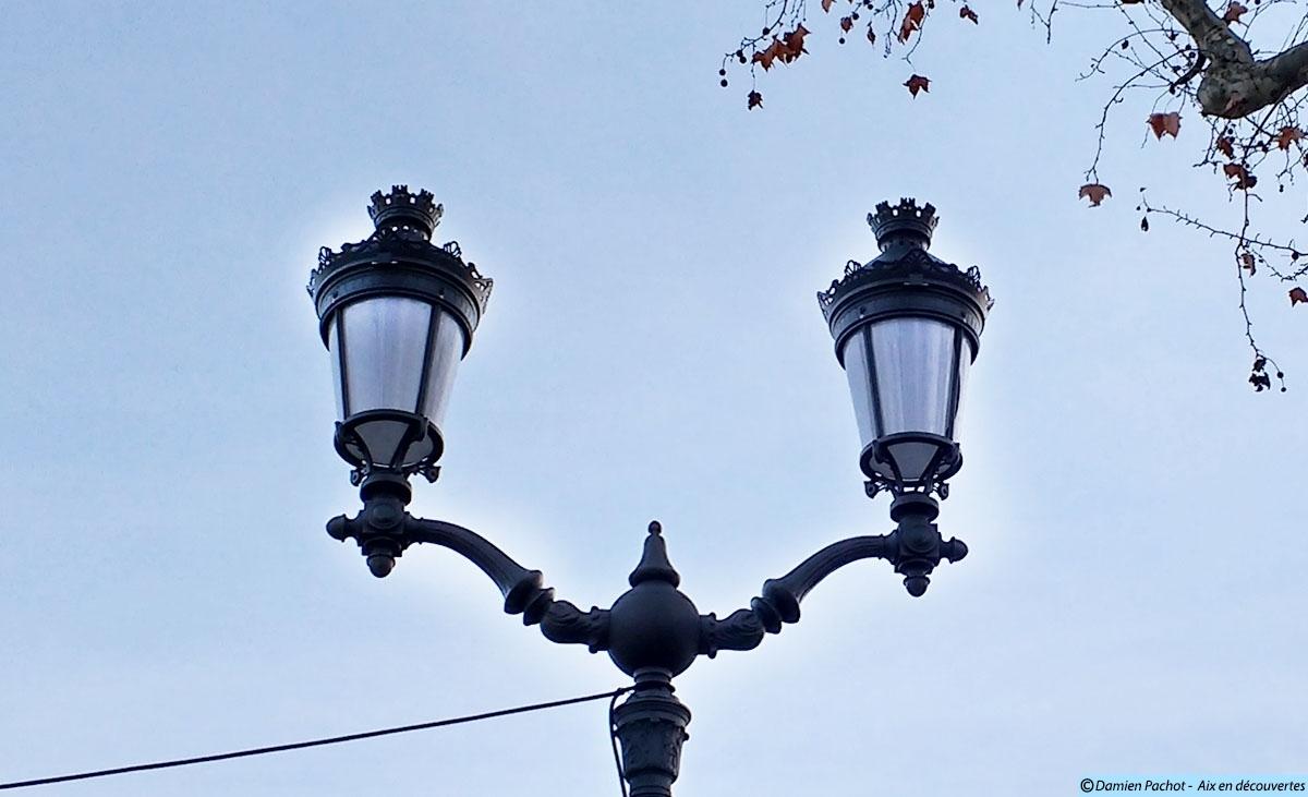 Les anciens lampadaires revenus sur la place de la Rotonde en novembre