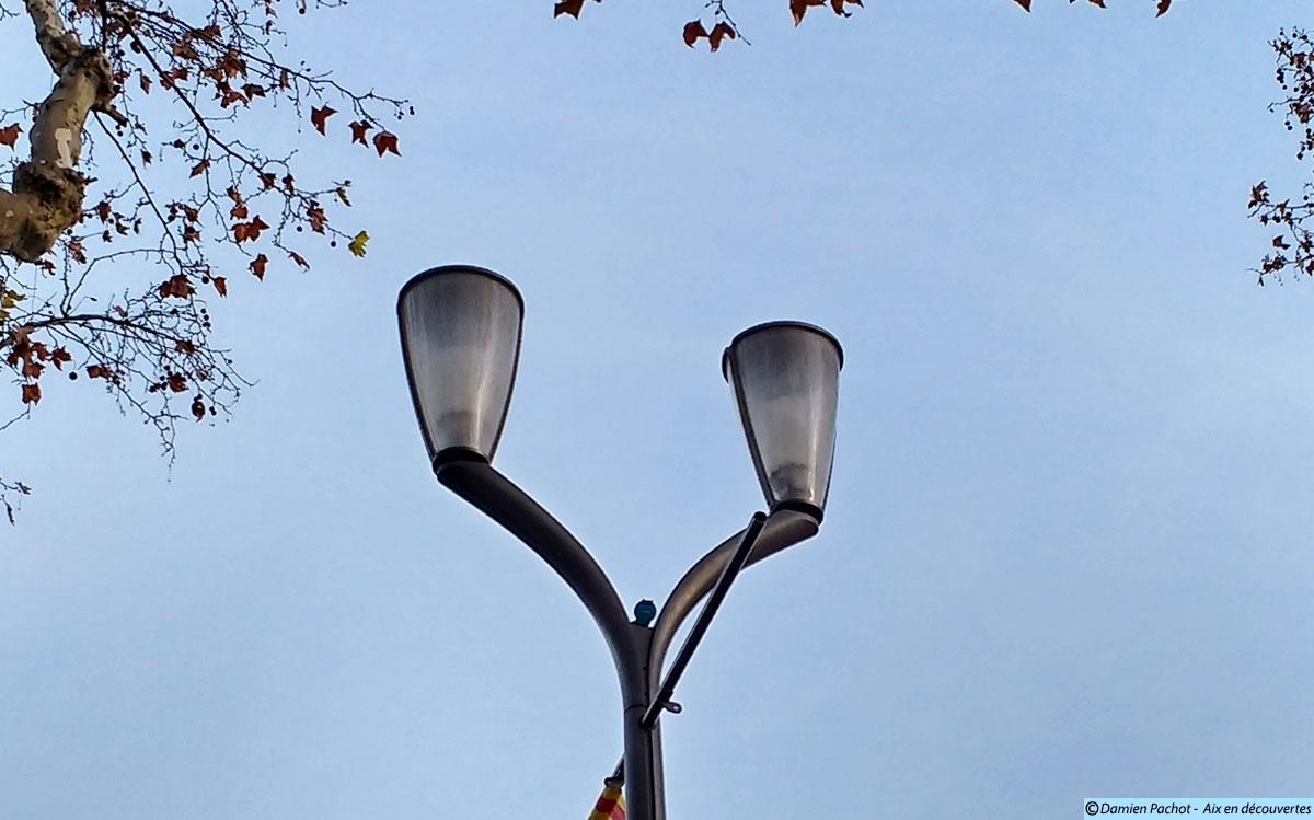 """Les """"nouveaux"""" lampadaires de la Rotonde"""