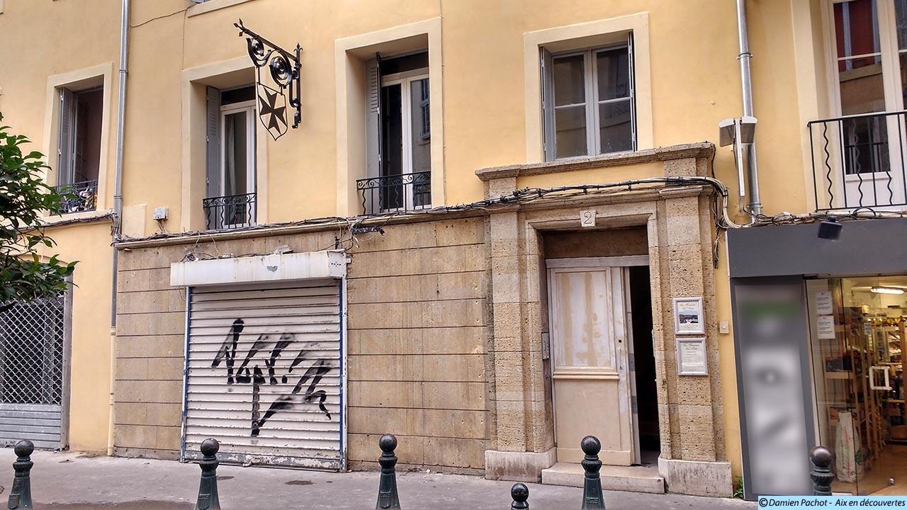 L'ancien hôtel de la Croix-de-Malte au n°2 de la rue Van-Loo