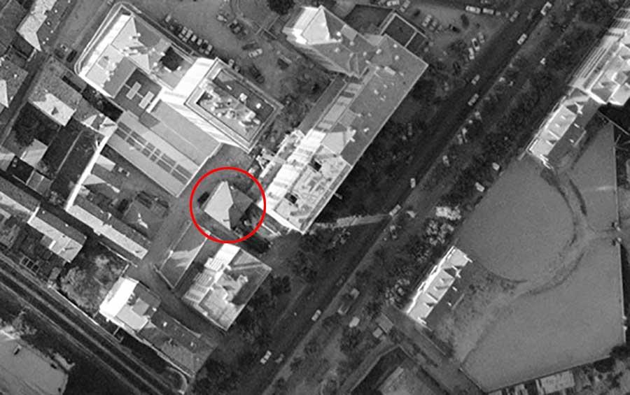 Les lieux en 1964 - Le décor est radicalement métamorphosé la maison (cerclée en rouge) se retrouve au beau milieu d'immeubles d'un nouveau genre - Photo : IGN / Geoportail - 1964