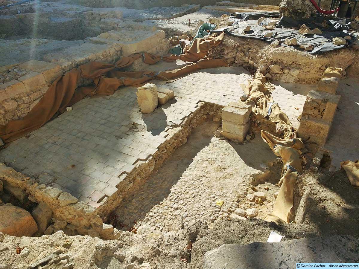 Le sol découvert en juin plus en profondeur