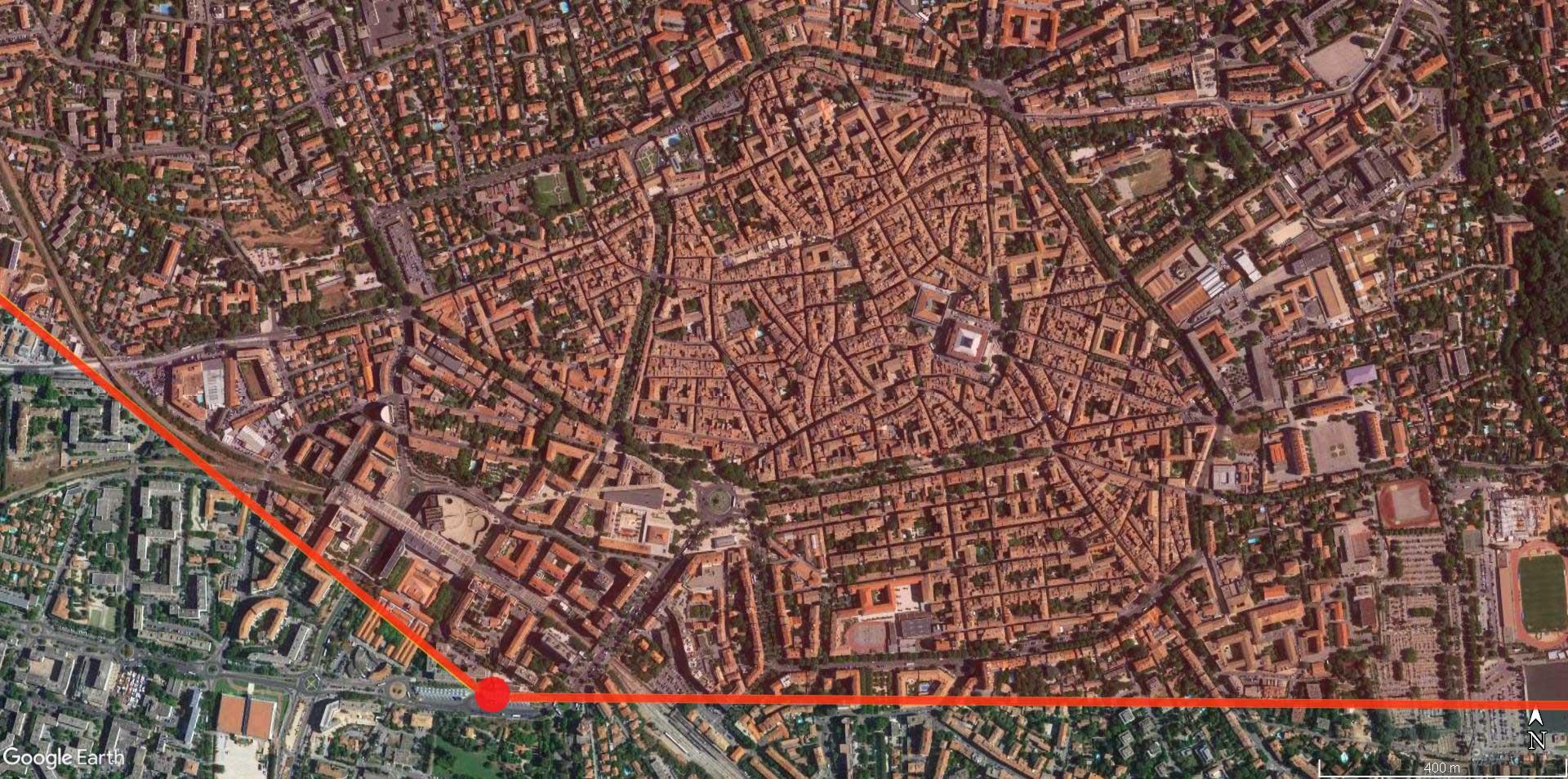 En rouge, l'angle de prise de vue du panorama de 1905 une fois assemblé