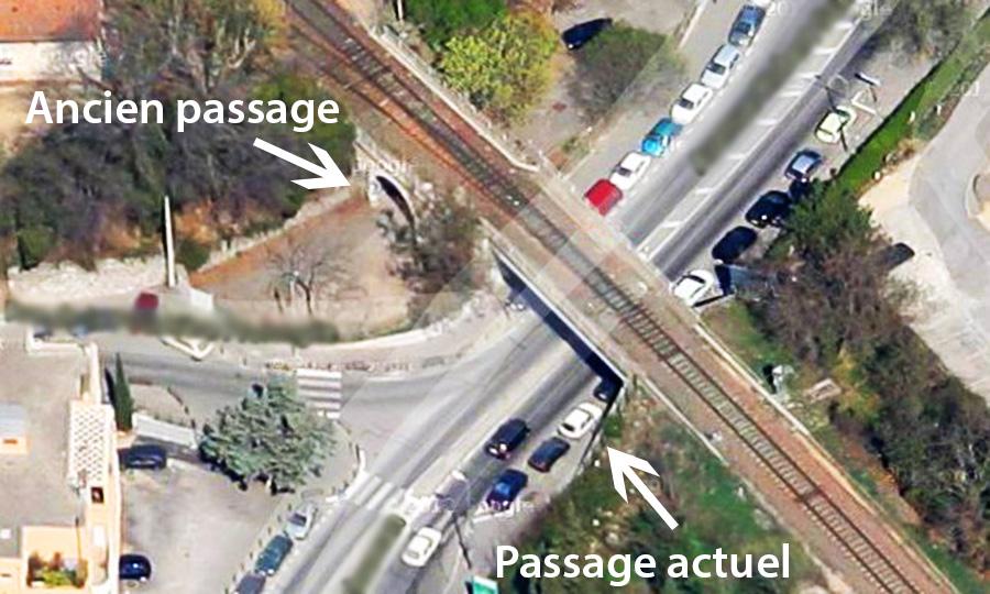 L'ancien et le nouveau passage pour passer sous le pont de la voie ferrée